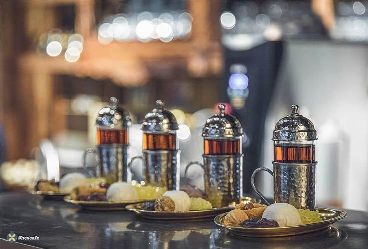 تاریخچه ای از چایخانه و کافه ایرانی | حس کافه در فرشته
