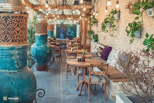یک کافه در فرشته با غذای کاملا ایرانی   حس کافه